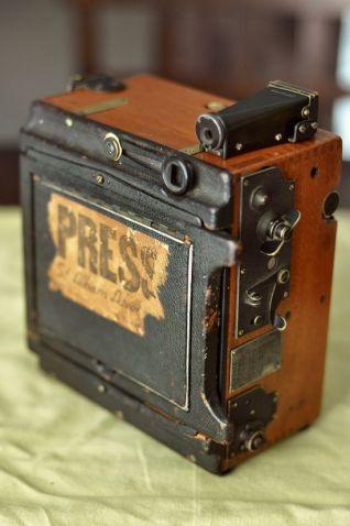 press camera